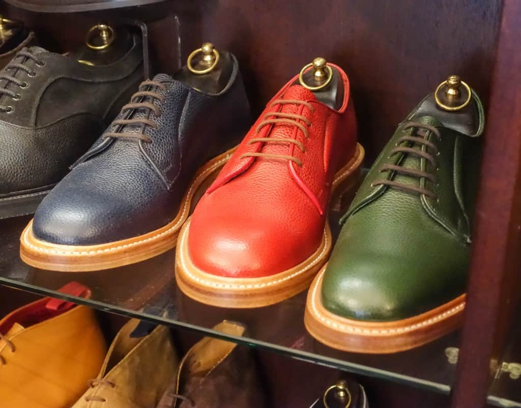 Sturdy derbys in bright colors.