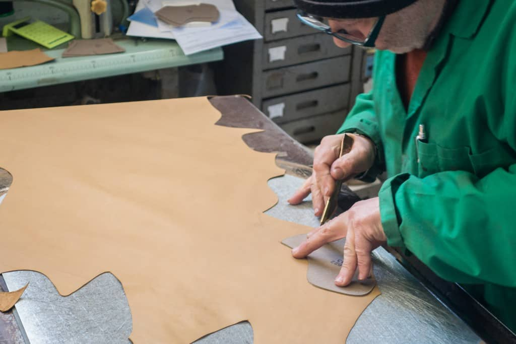 Claudio Marini clicking lining leather.