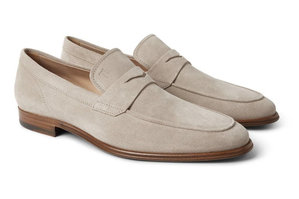 1. Penny loafer in suede light. A pretty durksydd penny loafer in a pair of bright mocha shades are a model we are considering, like this one from Tod's. Picture: Por Homme