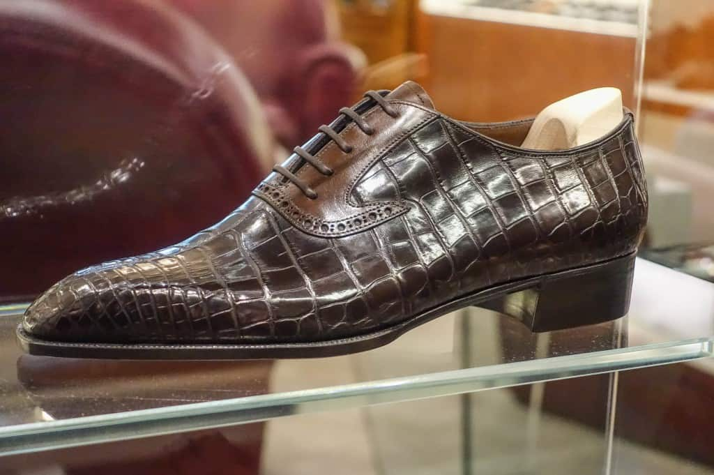 Beautiful bespoke sample oxford in alligator with calf facing, made by Daniel.