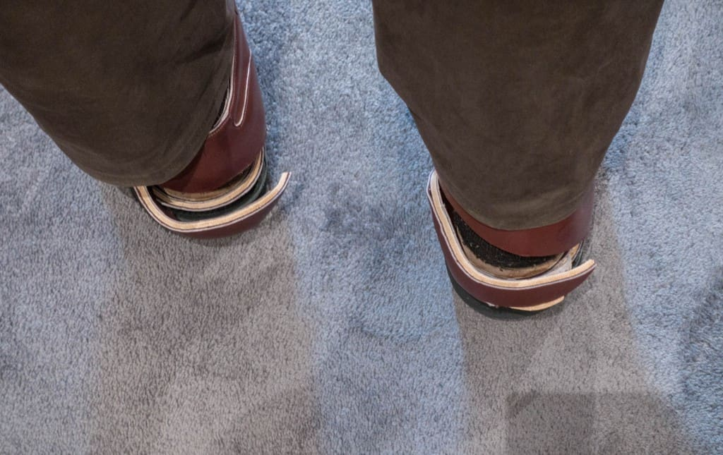 Here you can see that the insoles goes a bit too far back at the heels, so that there is unnecessary space.