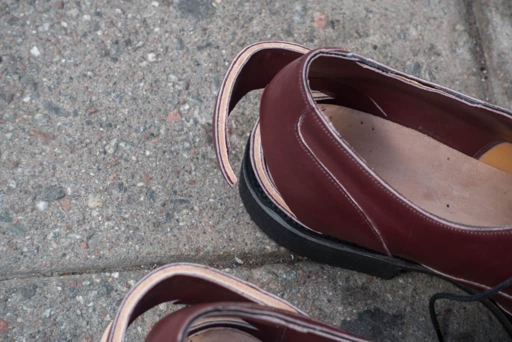 Here you can see the thick leather heel stiffeners.