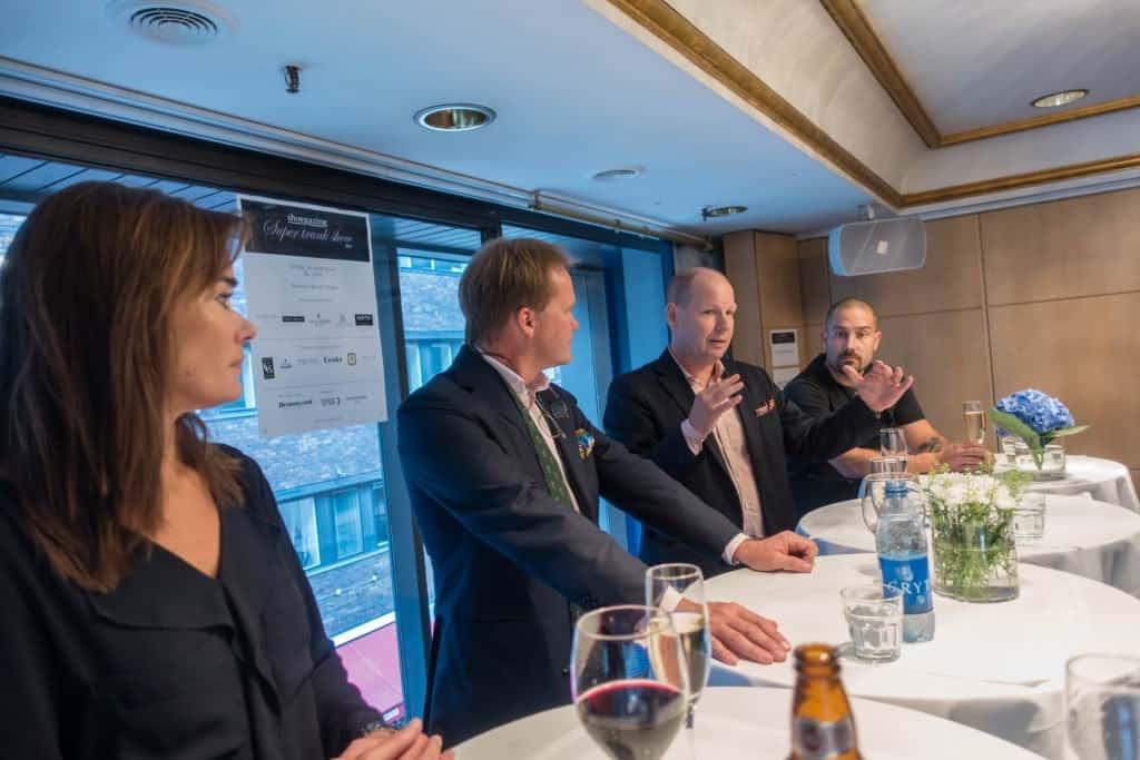 Deltagarna i paneldiskussionen, från vänster Kia Holmberg, Mikael Peterson, Magnus Ericson och Dennis Boström.