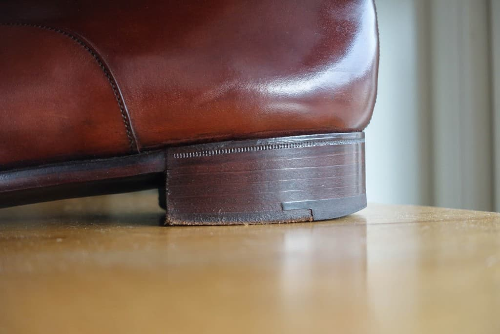 It is rather difficult to capture on camera, but in order to give a comparison, the heel of the picture above was built with contact, and here you can fairly clear line between the different layers of leather. Heel used here is completed before installation. The shoes are Gaziano & Girling RTW.