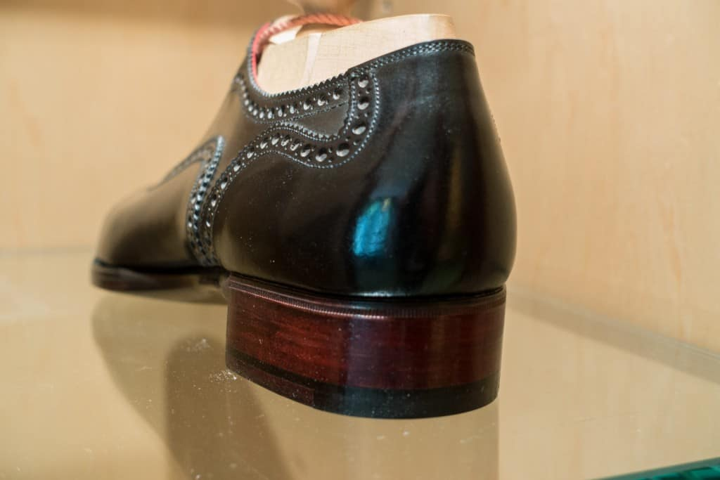 A heel with straight edges.