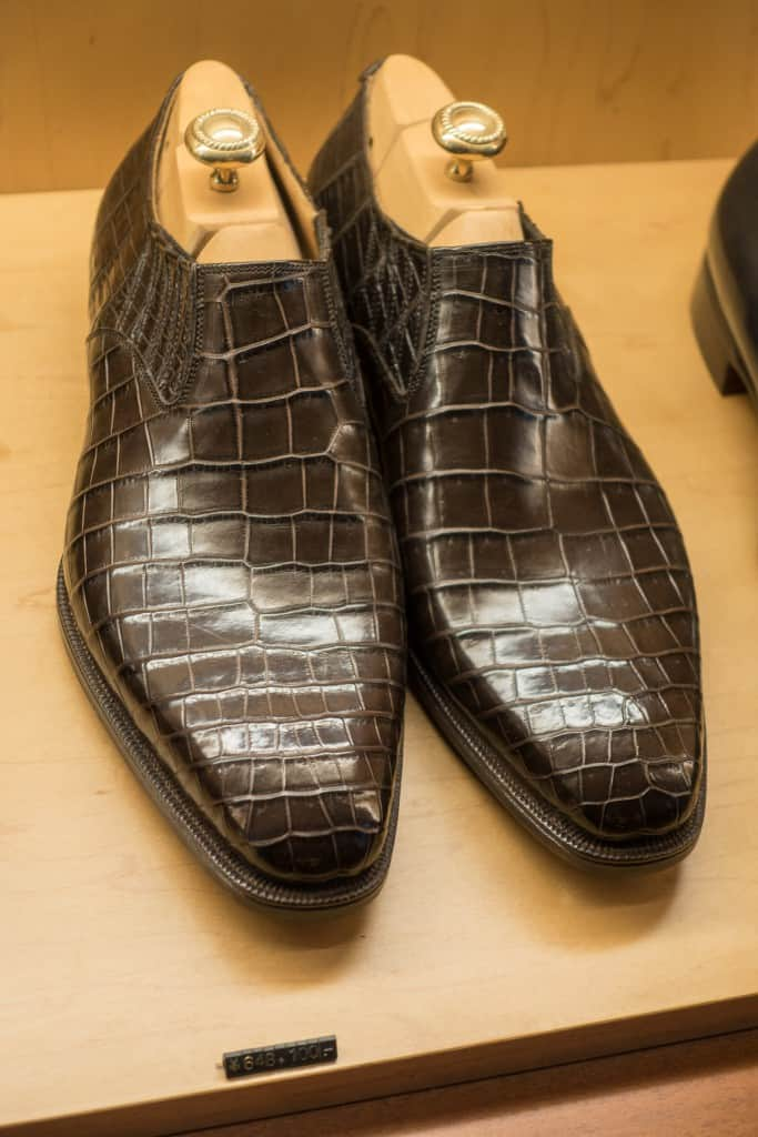 Gorgeous lazy mans in alligator leather.