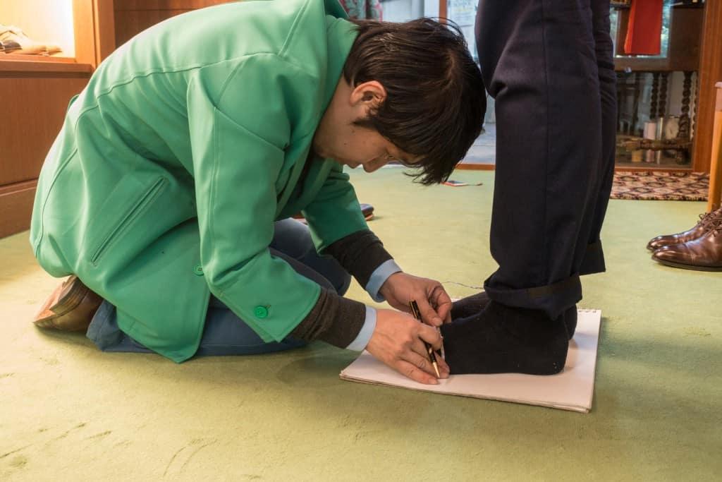 Keitaro measuring.