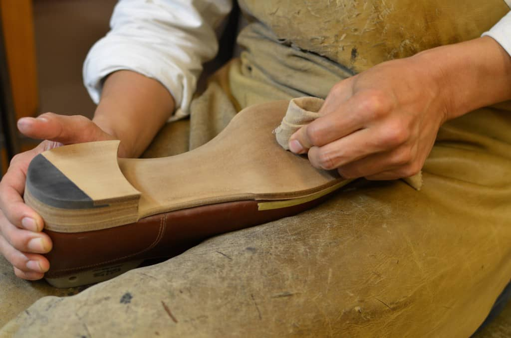 Cleaning the outsole, which is very important especially with a natural finish like the one being made for my shoes here. All stains and marks will be seen, making it harder than to paint or decorate the sole.