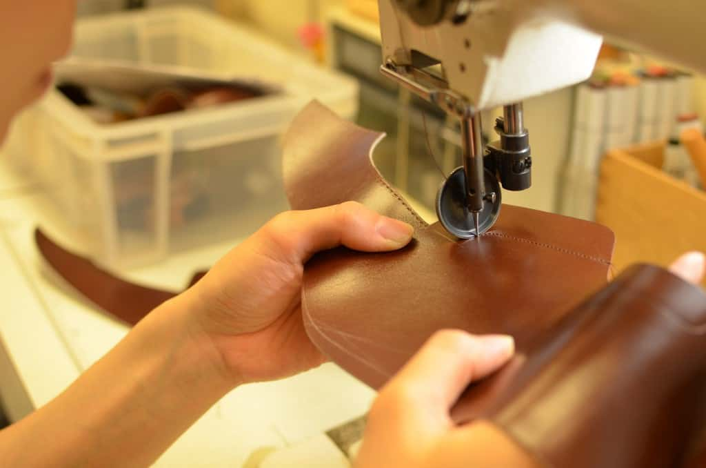 But first the machine stitched parts of the upper is taken care of.