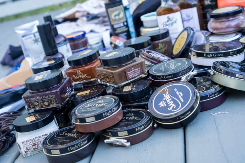The brand I own most cream and waxes from i Saphir's Medaille d'Or range.