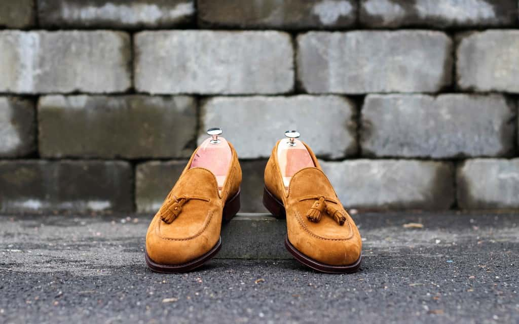 A nice tassel loafer in light brown suede.