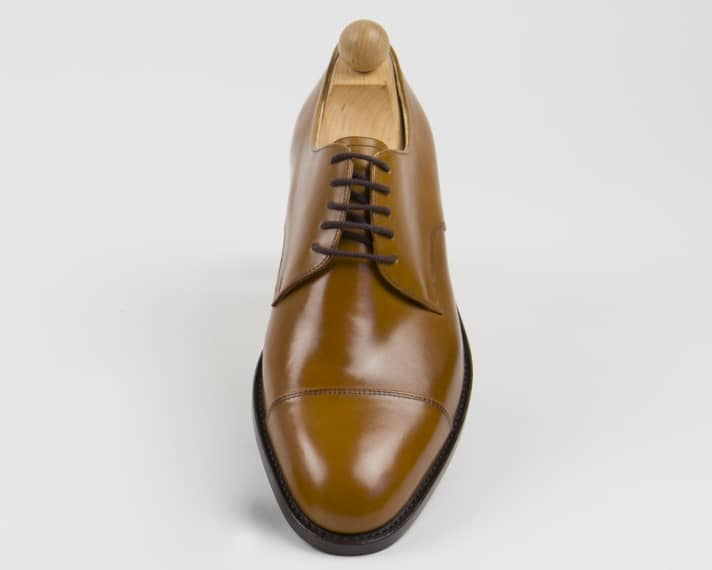 Clean derby in tan.