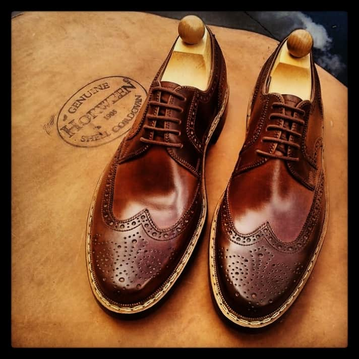 Budapester with goyser stitch made in cordovan leather.