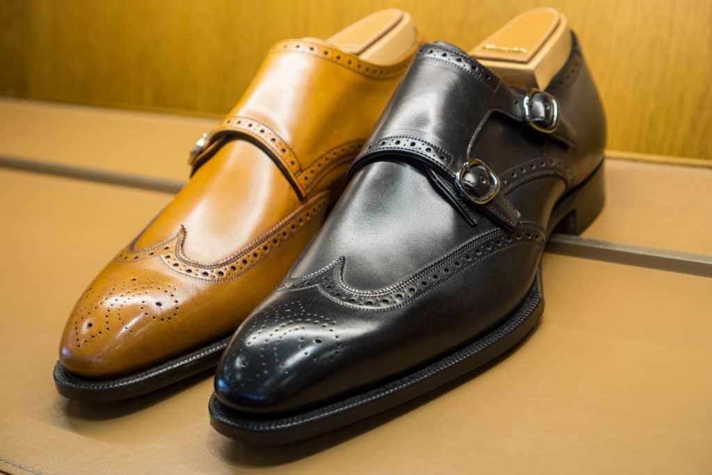 Wingtip double monk shoe.