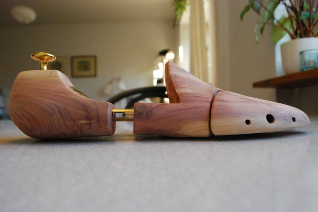 This shoe tree is much better shaped, where the bottom is relatively flat and it will push down the toe area in a good way.