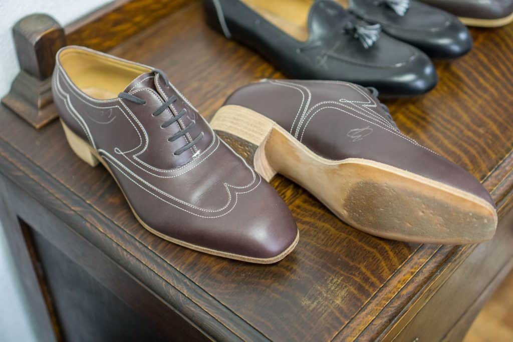 To see the first fittingskorna out, with sole and simple pattern commissioned done without any brogueing.