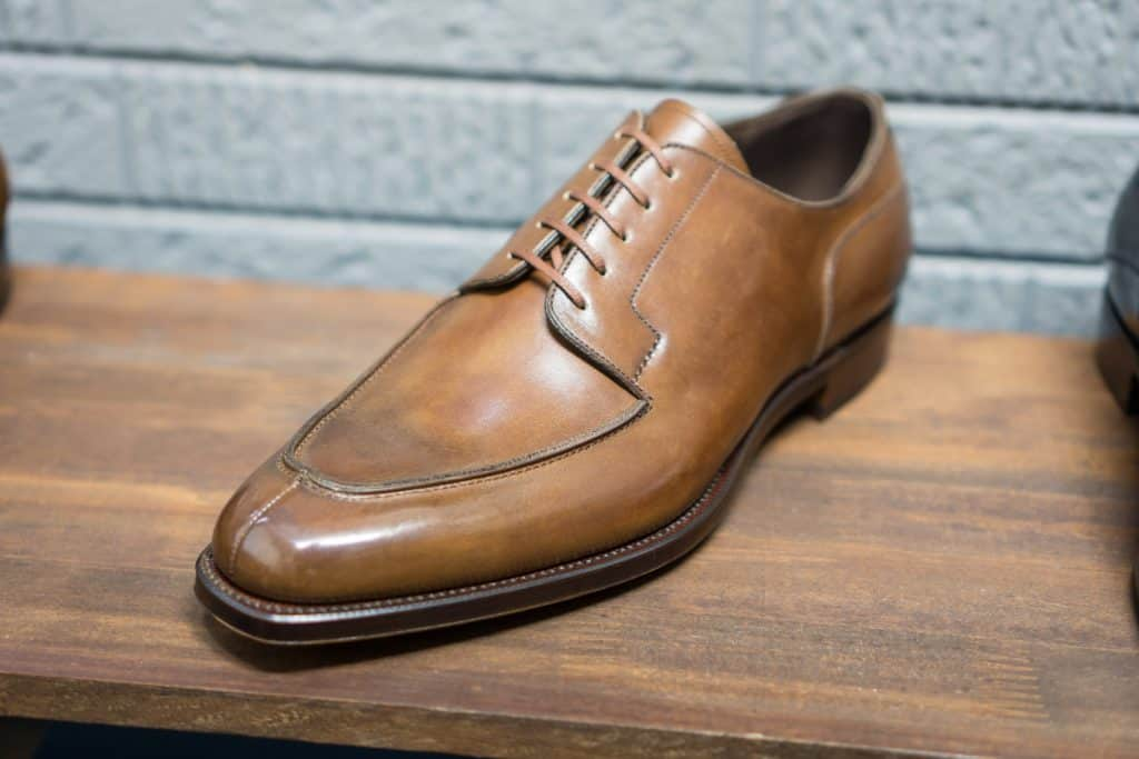 Like several other Japanese RTW brands have Joe Works a really nice classic split toe derby in supply.