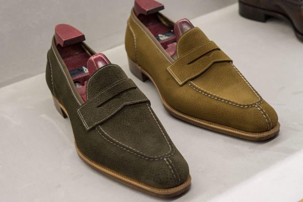 A bit Summery unlined moccasins from Gaziano & Girling, made of suede with scotch-grain embossing.